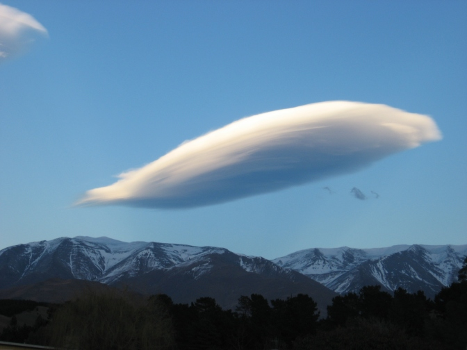 Random cloud, Kurow, North Otage