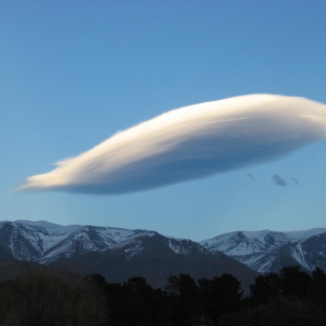 Random cloud, Kurow, North Otage
